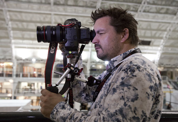 F-Stop Academy's Den Lennie tests the 1DmkIV with Zacuto rig