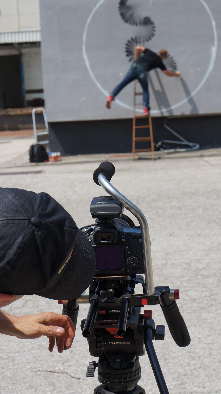 BBC freelance cameraman Johnnie Behiri shoots mini-doc and autofocus test on a pre-production Canon 70D
