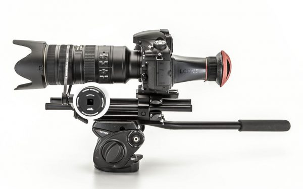 The follow focus and camera mount dovetail of the SC4:Large in tripod mode