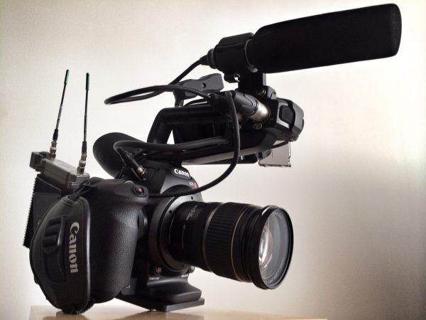 My simple C100 run-and-gun setup with WestsideAV EX1 plate and Lectrosonics system