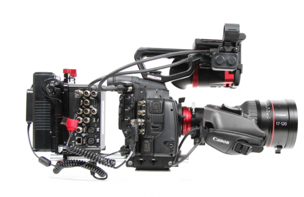 Using the 17-120mm with a Canon C300 or 500 PL requires external power to the lens
