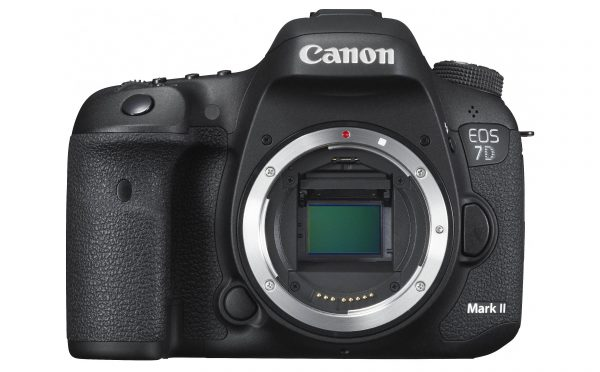 EOS 7D Mark II BODY up FRT