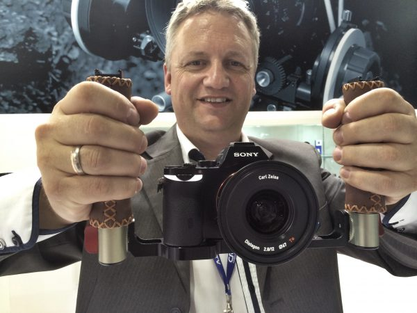 Andre from Vocas gets a good grip on the Sony a7S