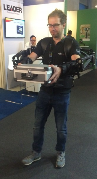 Newsshooter team member Simon Glass tries out the Exoskeleton with a heay case