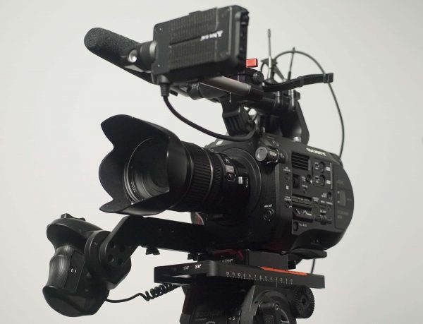 A practical EF mount camera? The FS7 with Metabones adapter and Canon 17-55mm f2.8 IS