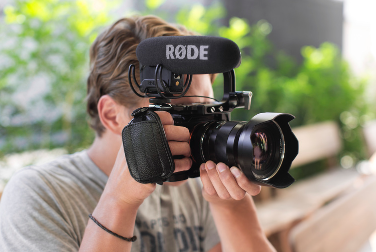 rode videomic pro gets updated with rycote lyre suspension and better capsule newsshooter. Black Bedroom Furniture Sets. Home Design Ideas