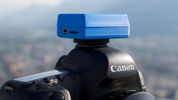The DSLR/camcorder version of SteadXP on a Canon DSLR