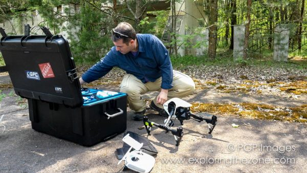 Unloading DJI inspire drone from Go Professionals Combo Case on location