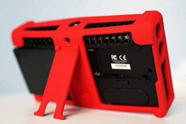 The red rubber bumper is removable and has a handy kick stand built-in