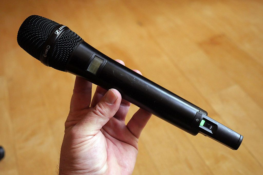 After a year of hard use, the AVX-835 handheld mic has grown on me.