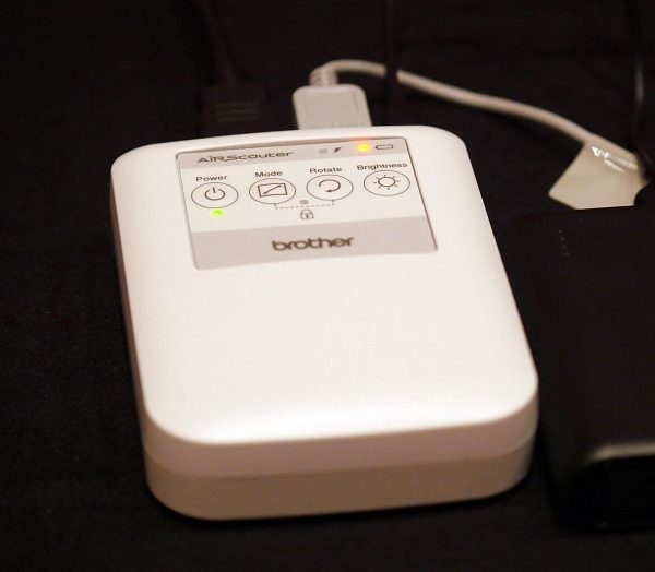 AirScouter battery and interface