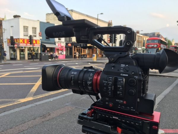 Shooting in the London streets with the 18-80