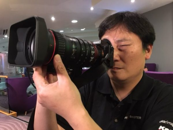 The size and weight of the 18-80 mean that it even works well on a Sony a7R II