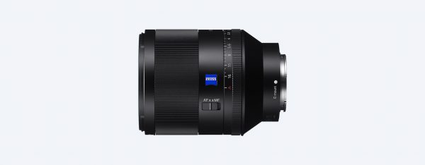 The Zeiss branding is likely to appeal to a lot of potential buyers, and for video use it's possible to switch aperture control to manual.