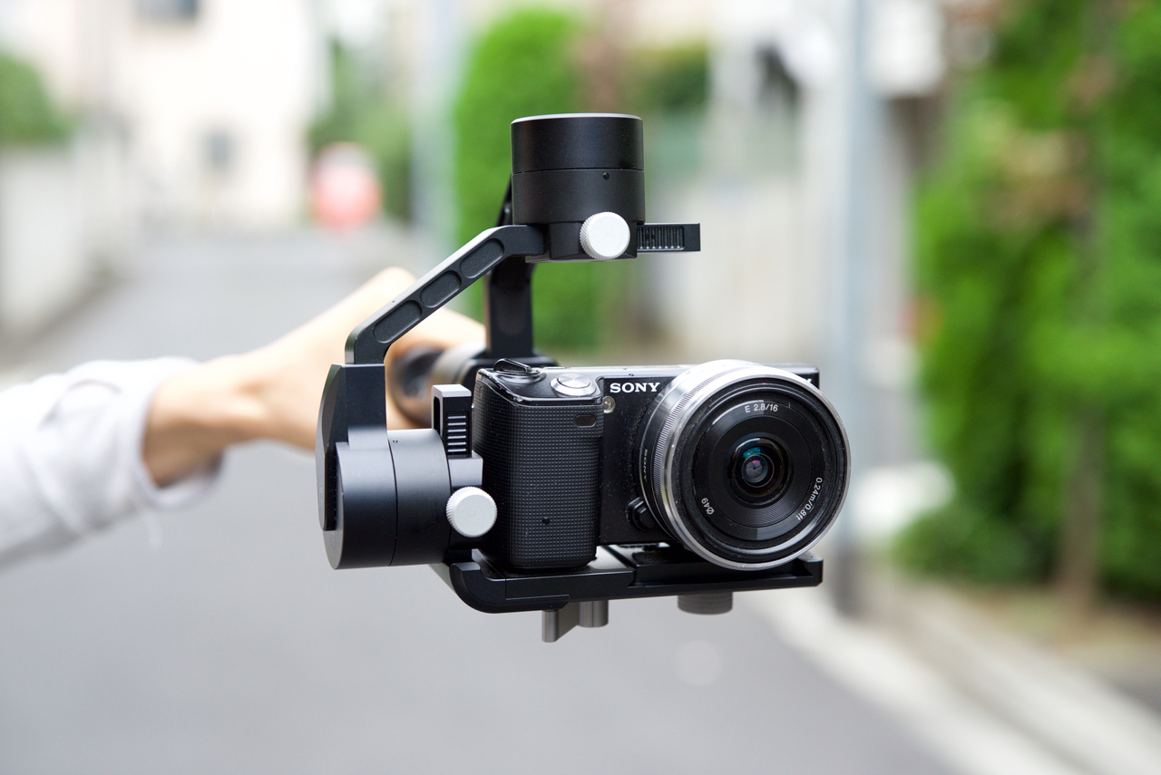 Zhiyun-Tech Crane M - a lower cost gimbal for small mirrorless and