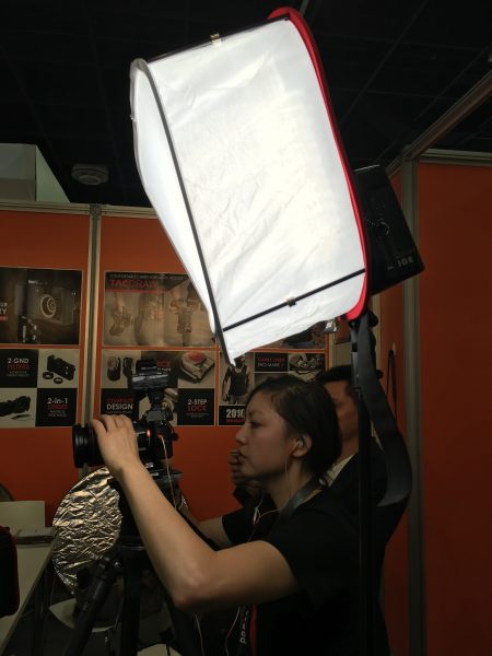 A D-Fuse softbox in use