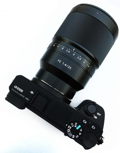 The a6500 looks almost identical to its predecessor the a6300 from the outside