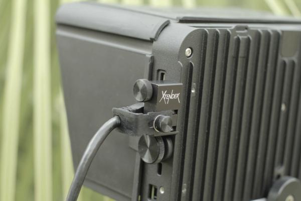 Xtender 7Q+ HDMI Lock
