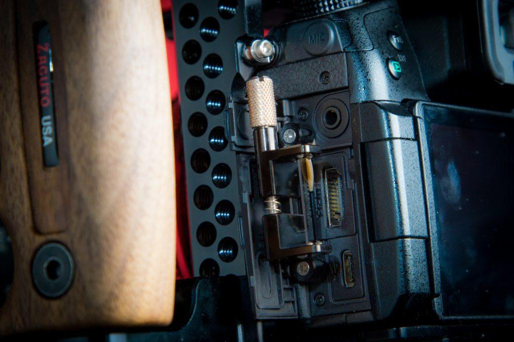 GH5 Zacuto Cage HDMI lock