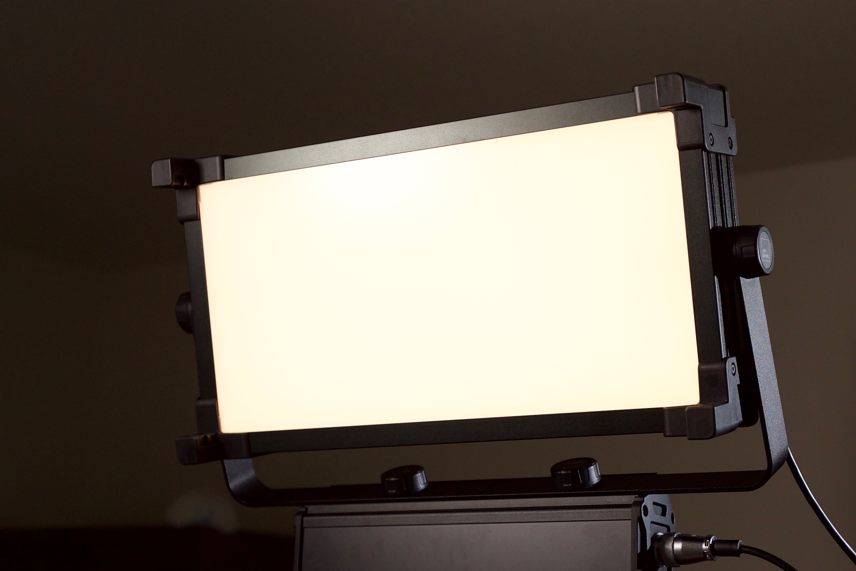 SoftPanels Autocolor matching 1x2 LED light Review - Newsshooter