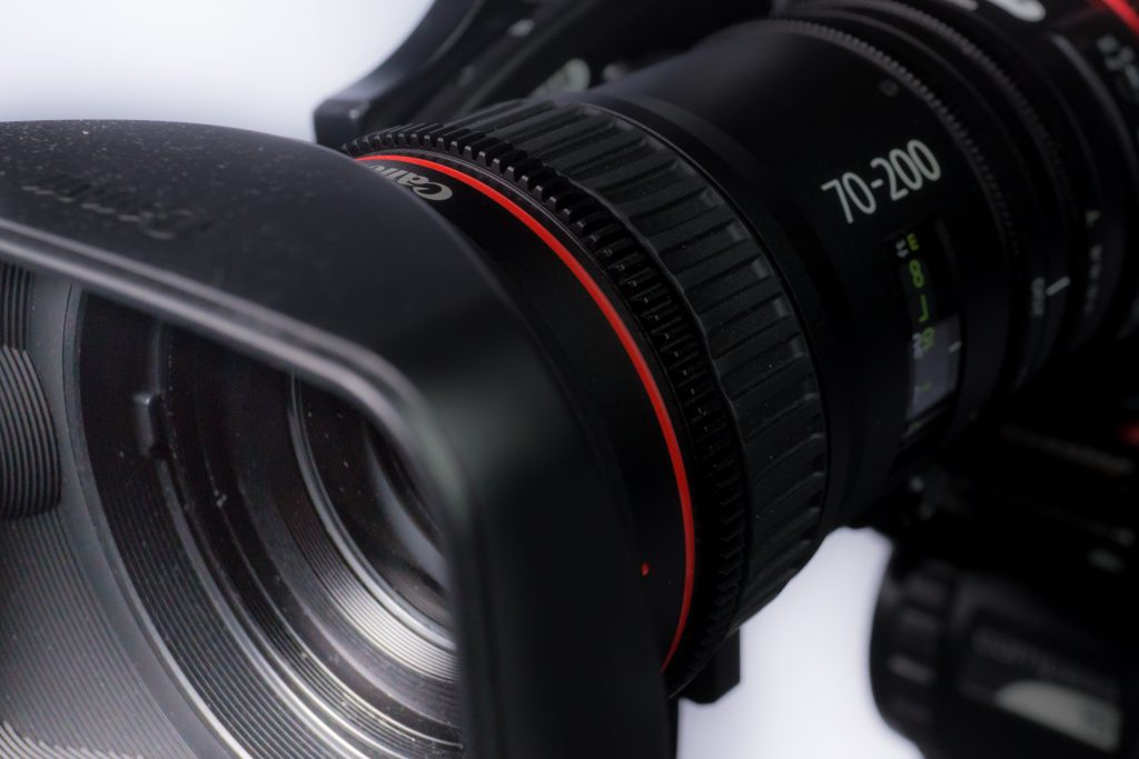 Front threads Compact Zoom 70-200