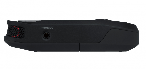 CES 2018 – Roland R-07 Portable Audio Recorder