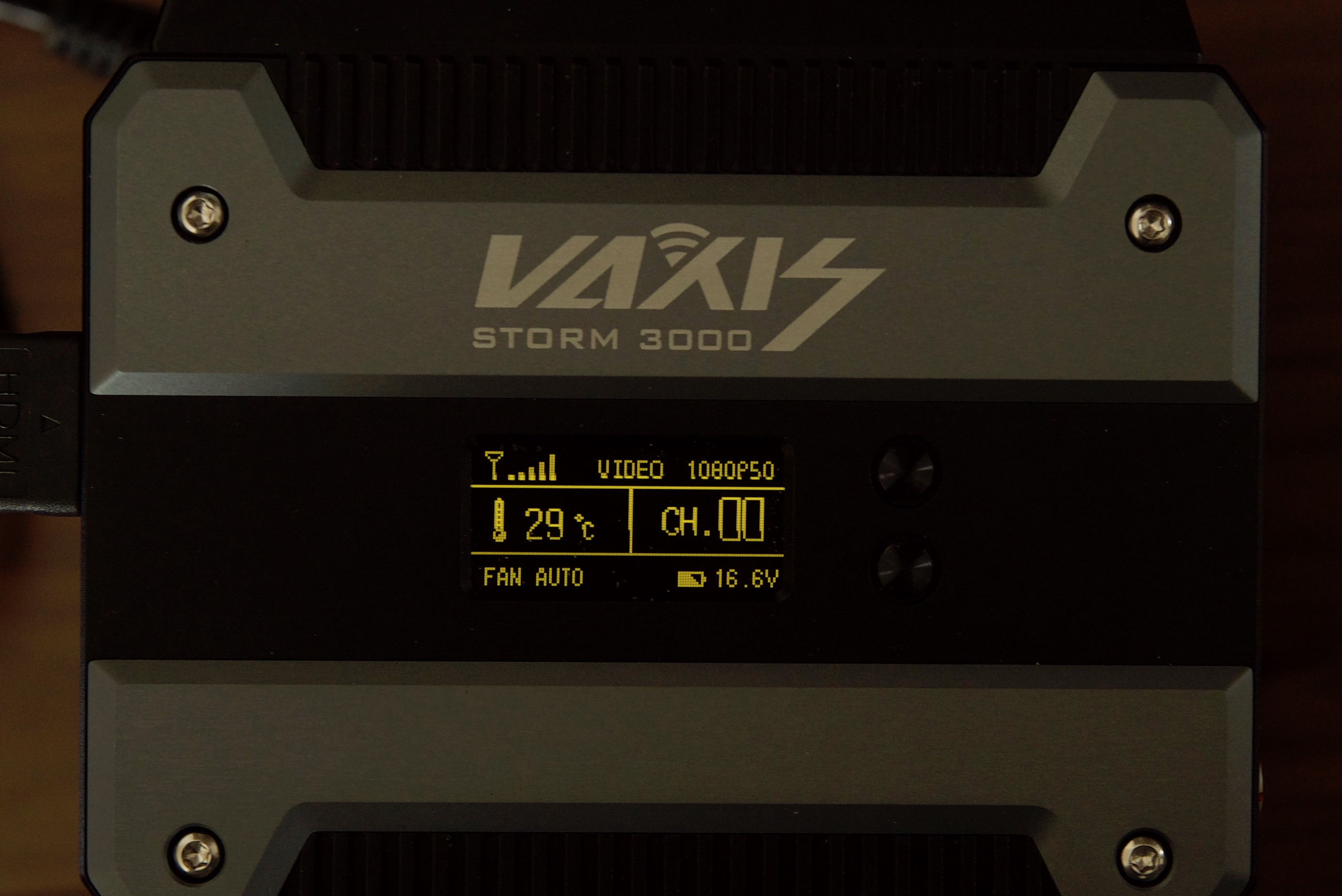 Vaxis Storm 3000 display screen