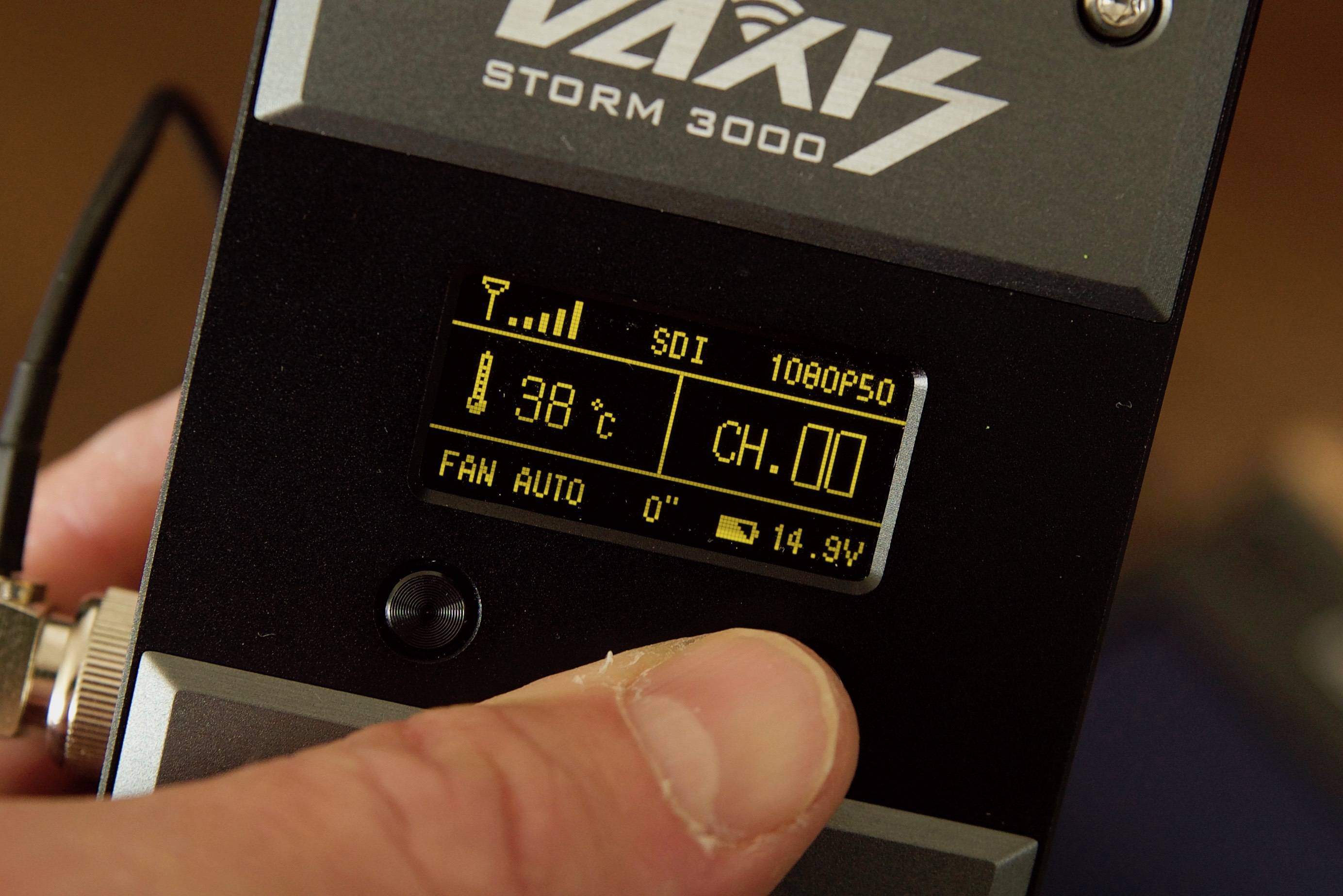 Vaxis Storm 3000 Wireless Kit Review - Newsshooter