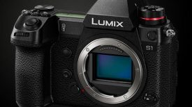 1378 LUMIX DC S1BODY p d 00 intro 1302x400 bkg copy