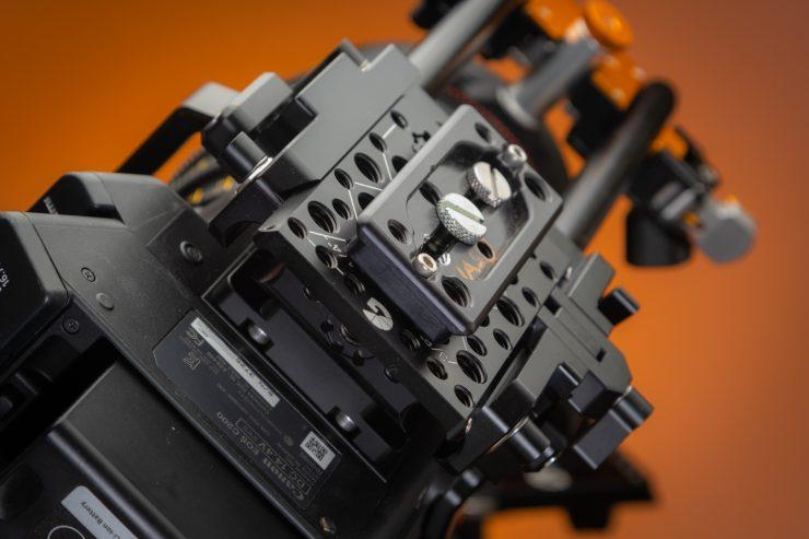 C200 Left Feild Cage dovetail system on bottom