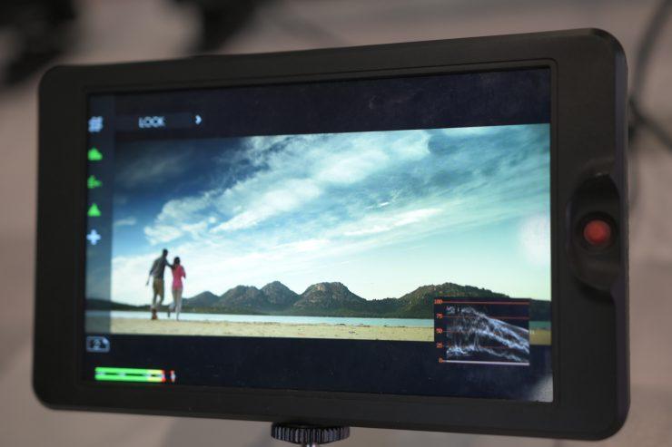 """SWIT T7 & G7 3000nit 7"""" monitors"""