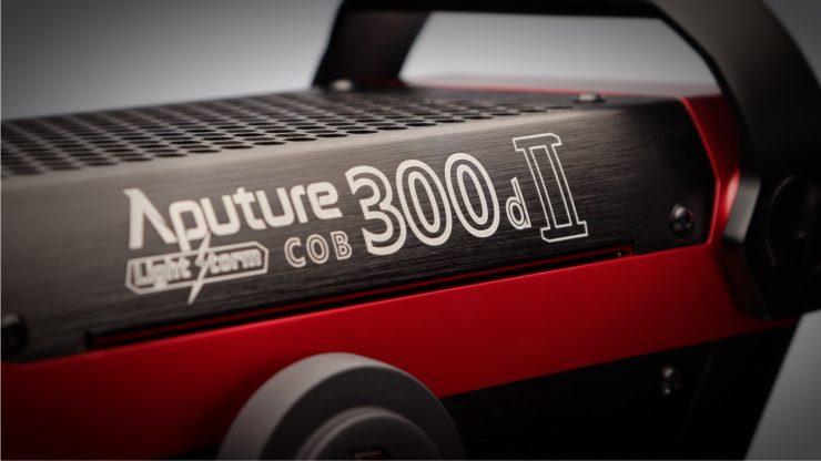Aputure 300d II Logo