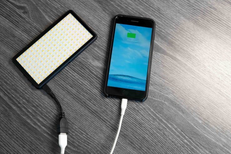 Lume Cube PANEL iPhone charge