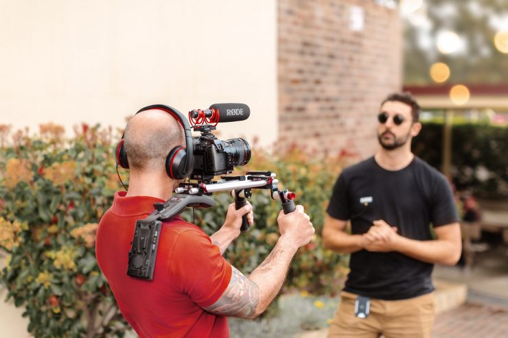 RØDE VM NTG INSITU SHOULDER RIG INTERVIEW RGB