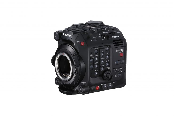 1 C300 Mark III 01 front side left