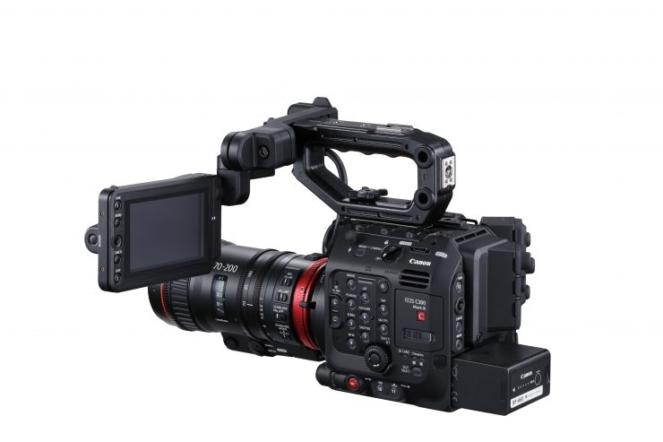 6 C300 Mark III 01 back side left 70 200 LCD Side