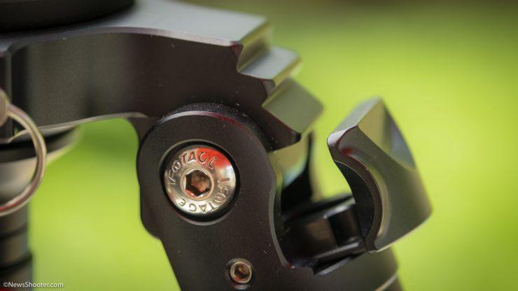 iFootage Gazelle TC9 leg lock