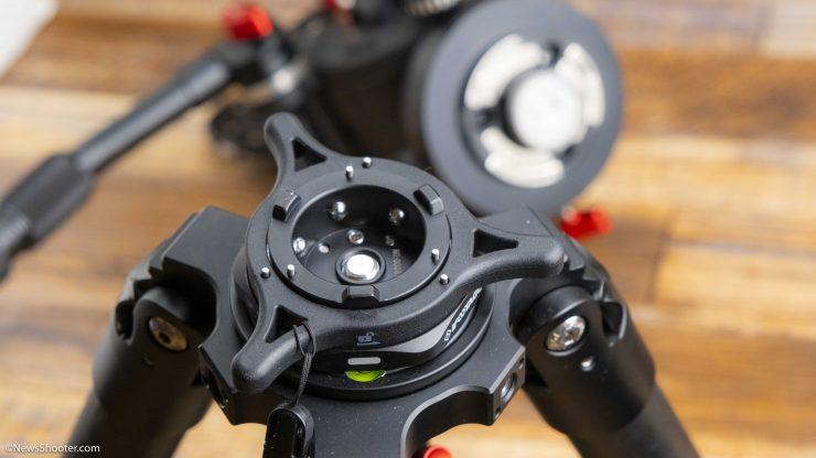 iFootage Seastar Q1 attached to tripod