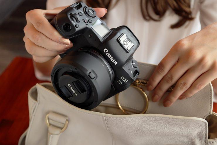 Lifestyle image Canon RF 50mm F1 8 STM 14
