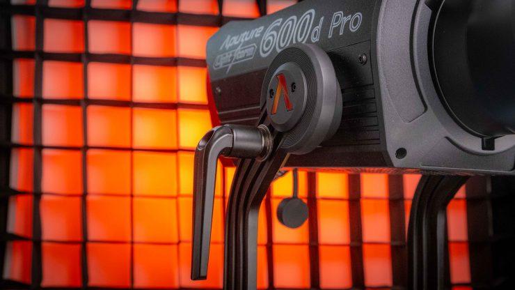 Aputure LS 600d Pro lockdown arm