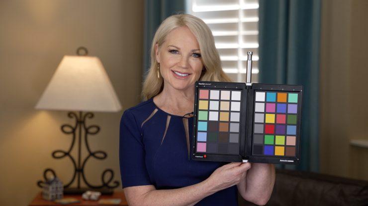 Bridget con cartella colori S Cinetone