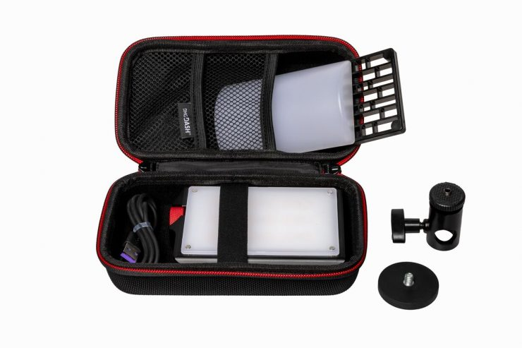 web photo DMG DASH Pocket LED Kit contents