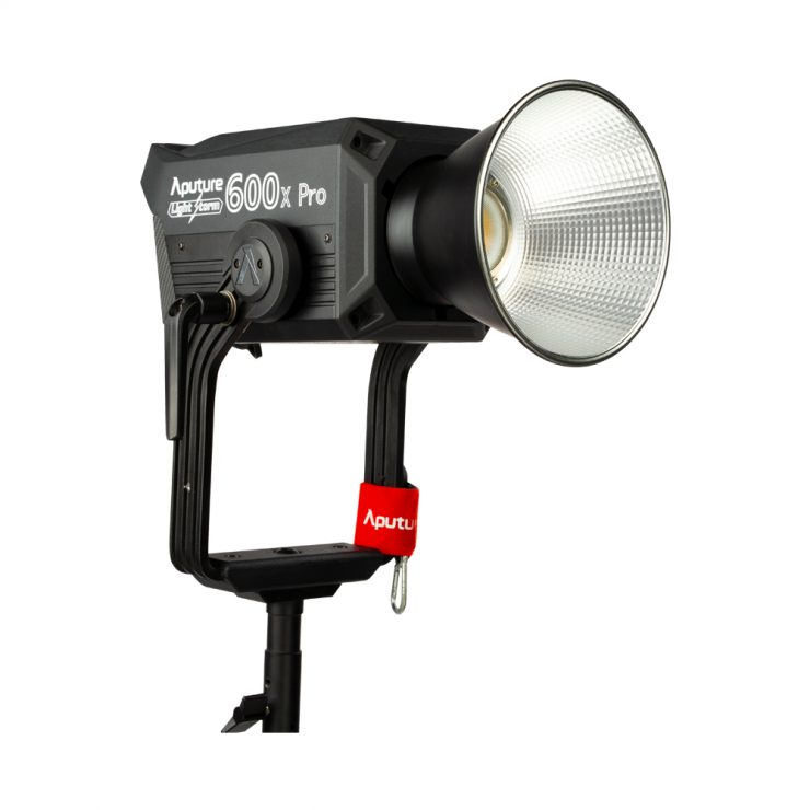 LS 600x Pro White BG 0003